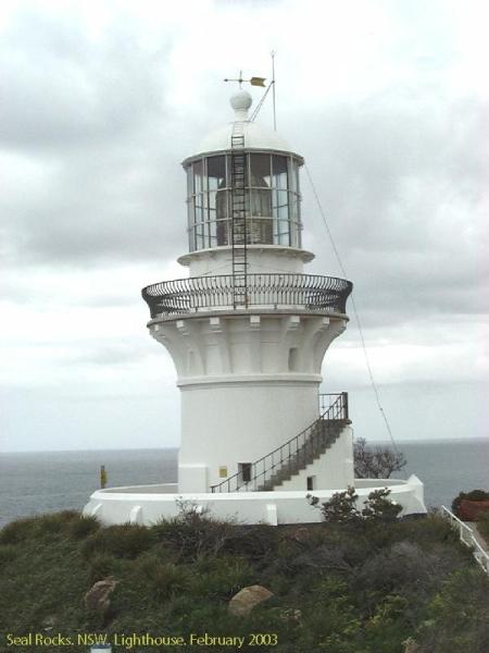 019-seal-rocks-lighthouse
