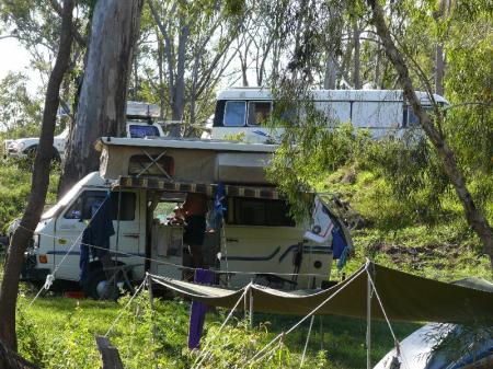 Camped at Wandoo Station on the banks of Funnel Creek. George & Joan are below us in their campervan.