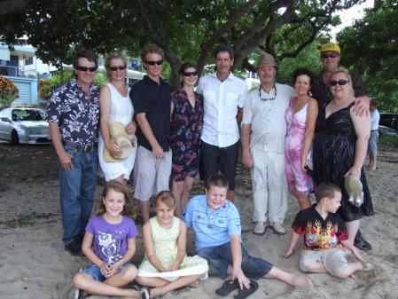L-RSteve, Melissa, Aaron, Meaghan,Ken, guess who?, Enid, Dwayne, Shelley. L-R front Shelby, Georgia, Reece and Jack