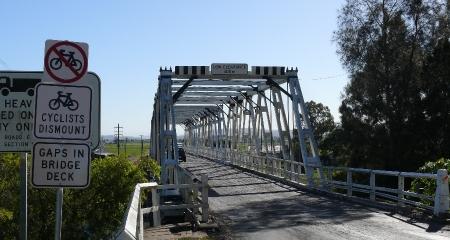 Ricketty Bridge at Morphett.
