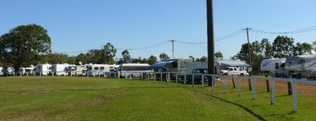 Some rigs at the 2009 Proserpine mini rally.