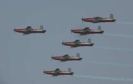 The great RAAF part time stunt team The Roulettes.