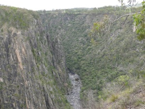Apsley Gorge showing steep sided chasm walls.