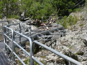 Bridge over Wollomombi River. Note the debris and the special hinged hand rails.