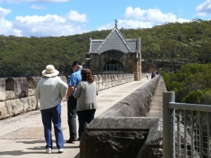 Donnis Wayne n Narelle at Cataract Dam.