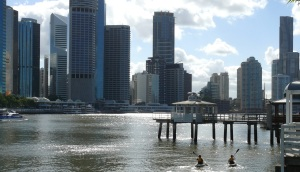 Paddlers on the Brisbane River at Kangaroo Point.