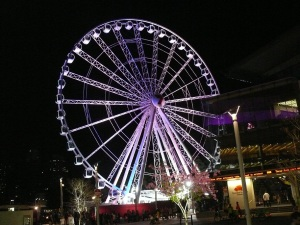 Just love the way the ferris wheel is lit up at night. Tonight there was a queue to ride.
