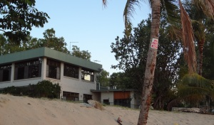Large house on the best position at Shoal Point