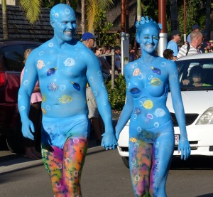 This couple led the parade. Note how they are painted to resemble  the sea and the reef.