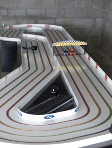 Slot car racetrack
