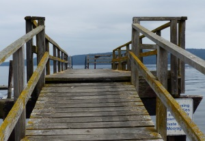 Suspended jetty