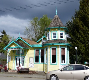 Interesting Teahouse / coffee shop called The Twisted Sisters at Chemainus.