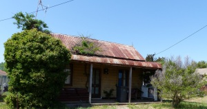 Coonabarabran is an old town populated by old homes. This is one example.