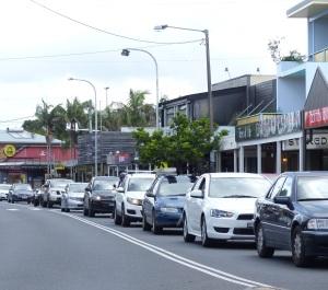 A busy Byron Bay street.